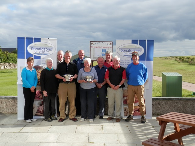 2014 Seniors Open Winnners - Ladies Winner S Slater & Mens Winner E Donaldosn along with the other prize winners
