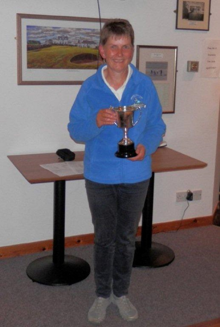 Elma Bews Seniors Trophy winner 2015 - Linda Bonner