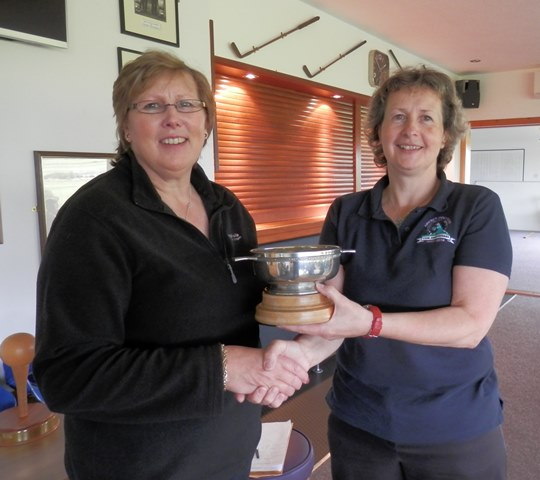 Summer Ringer Winner 2014-- Barbara Copland receiving trophy from Lynn Shearer (Ladies Captain)